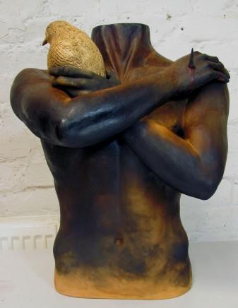 Roy Batty. 2013. Mustasavustetty keramiikka, spray. 57 cm